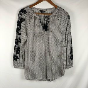 Lucky Brand Black & white Peasant top embroidery